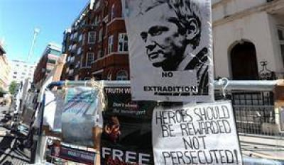 Los defensores de la libertad de expresión, divididos por Assange