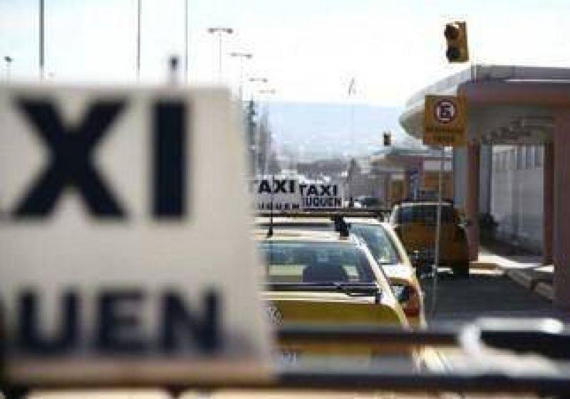 Taxistas presionarán ante reunión clave por la tarifa