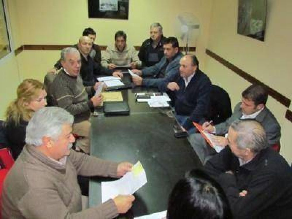 TRABAJADORES REPOSTEROS LLEGARON A ACUERDO SALARIAL