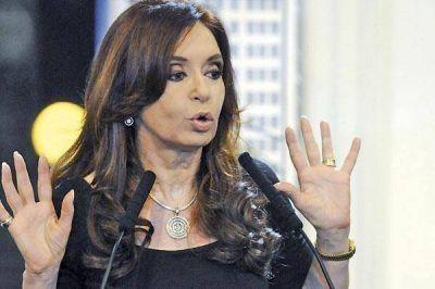 Cristina asiste a festejos del Bicentenario del Éxodo Jujeño