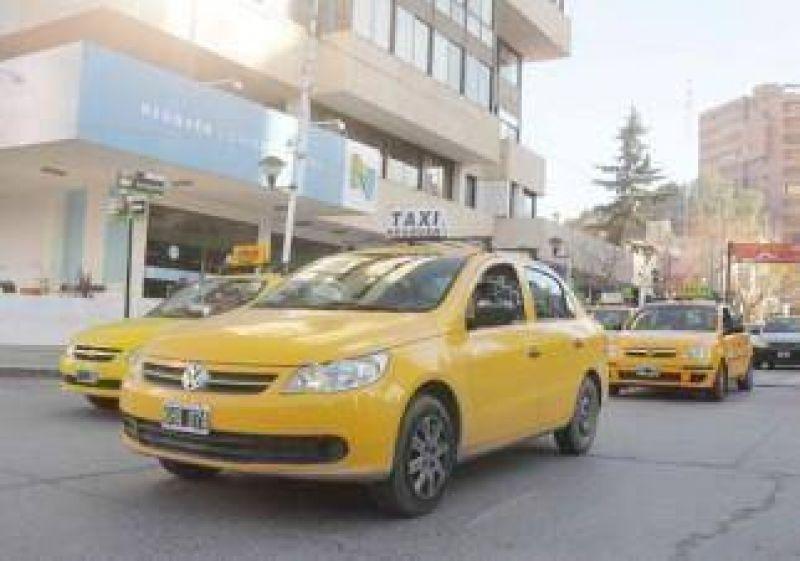 Taxis y Municipio, en jaque por el GPS