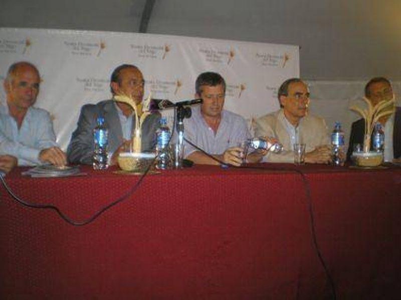 El BAPRO lanzo plan de financiamiento al campo en la Fiesta del Trigo.