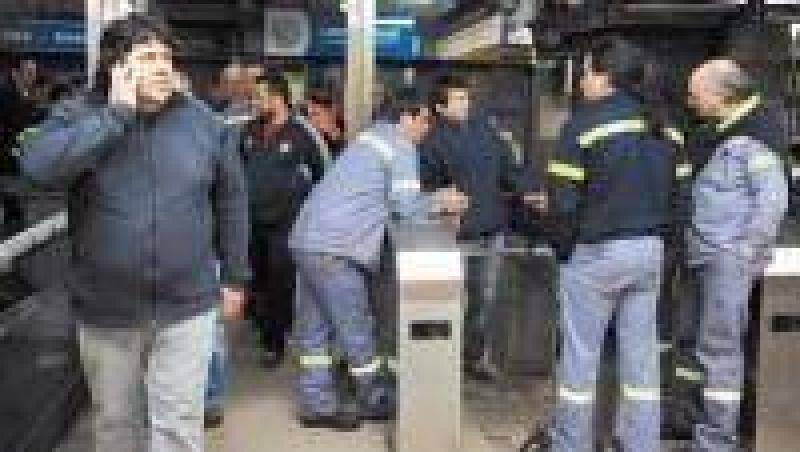 Metrodelegados denuncian al gobierno PRO en la OIT