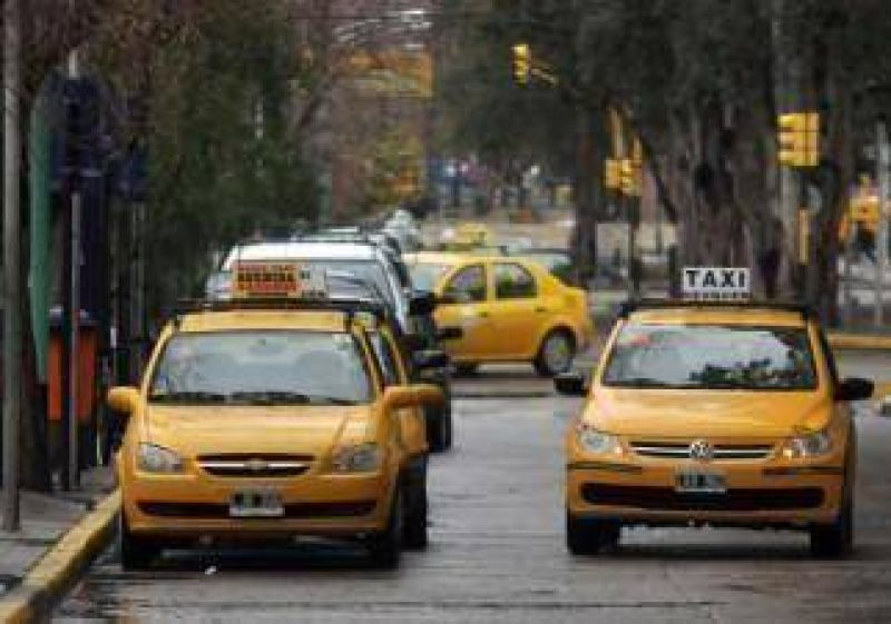 El conflicto con taxistas dejar�a atr�s el GPS y se centrar�a en la nueva tarifa