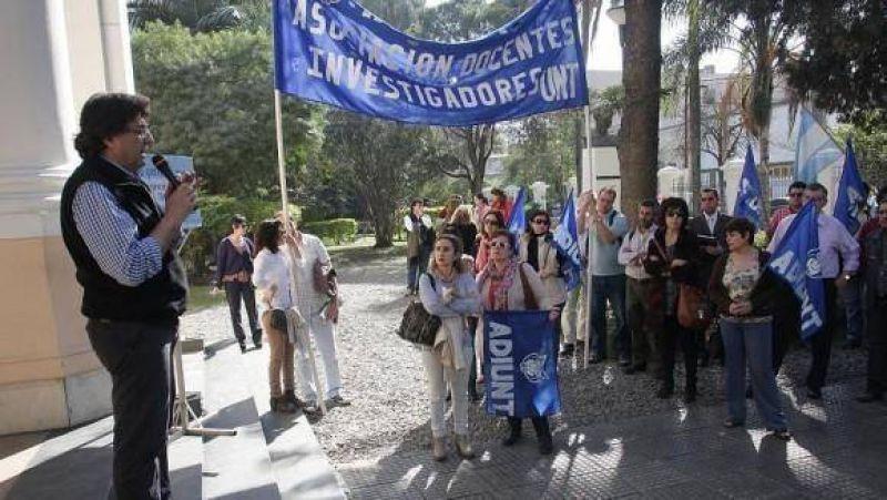 """""""No hay plata"""": la respuesta ante los reclamos de los docentes universitarios"""
