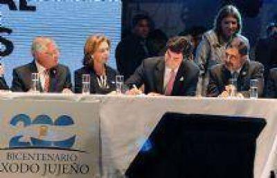Se firm� el Acta de Declaraci�n y Compromiso por la Gesta Bicentenaria del Norte Argentino