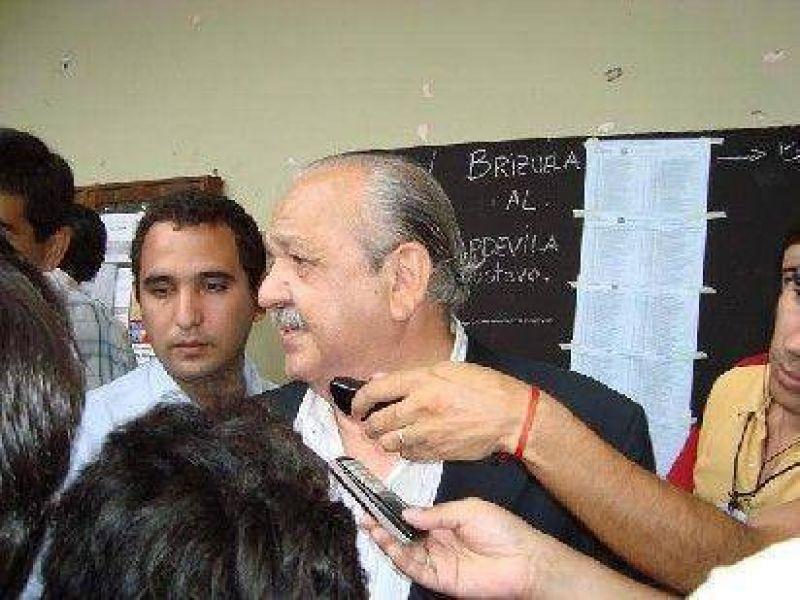Brizuela denunci� violaciones a la ley electoral y evit� confrontar con Cristina