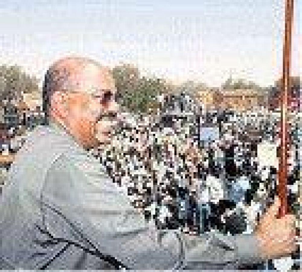 Desafiante, Al-Bashir amenaza con expulsar a la ONU de Sudán