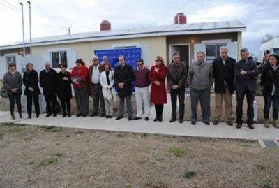 El Gobierno Provincial entregó diez nuevas viviendas en Uriburu