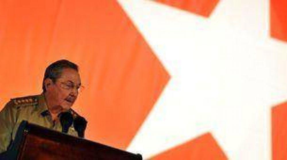 Raúl Castro reclamó más mujeres en cargos directivos del país