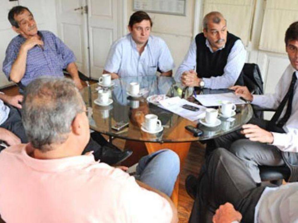 La Municipalidad impugnó el acuerdo salarial de los taxista