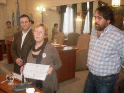 Concejo Deliberante: Entre el clientelismo legal y el reconocimiento a Rosa Bru