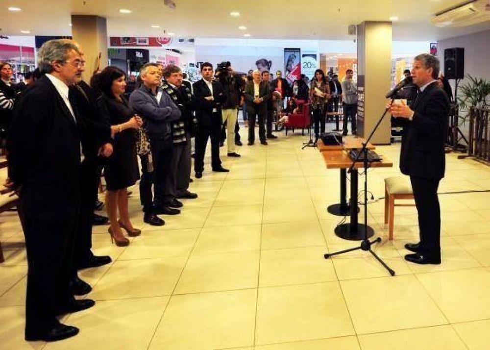 El Gobernador se interiorizó sobre la obra lograda por inversores privados en el San Luis Shopping Center