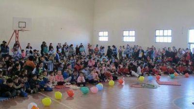 El Ministerio de Educación agasajó a los niños en su día