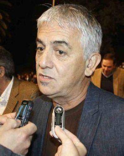 Ministro Martínez instó a vacunarse contra la gripe A