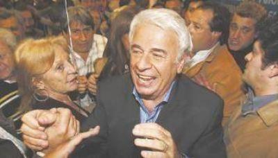 Legisladores bonaerenses de la oposici�n ir�n hoy a la Corte por la coparticipaci�n