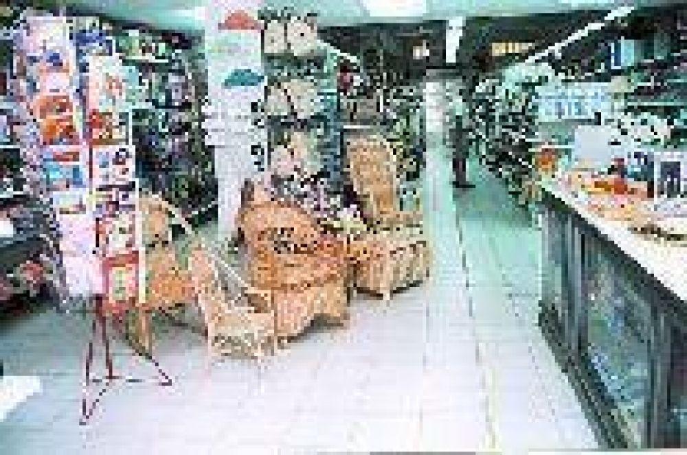 """En los comercios de la zona pampeana vuelve el """"fiado"""" para detener la caída de las ventas"""