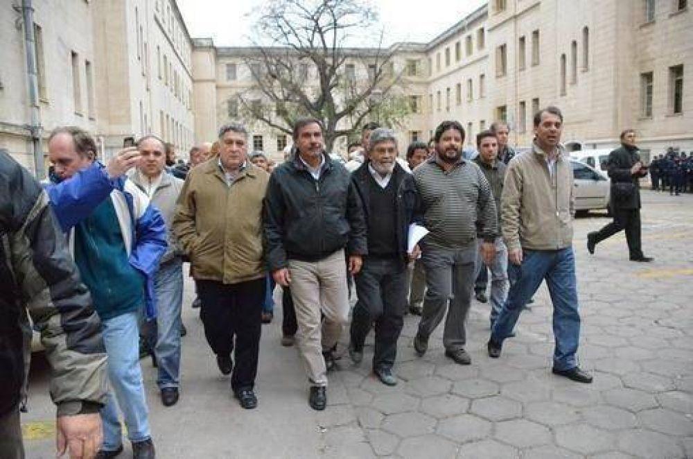 Gremios estatales se reúnen para definir el plan de lucha