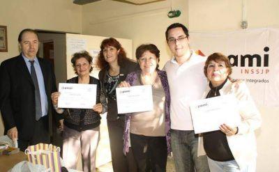 Afiliados de PAMI finalizaron capacitación en informática
