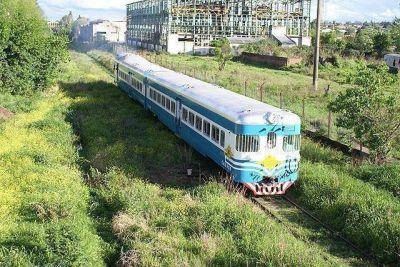 Presentan la locomotora que prestará servicio de pasajeros entre Villa Mercedes y Justo Daract