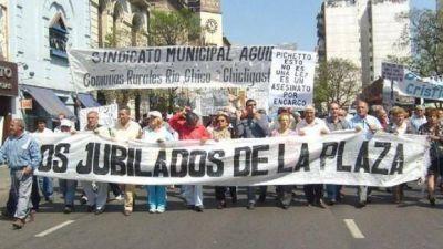 """Sin respuestas del Gobierno, jubilados realizan su """"Marcha por la Dignidad"""""""
