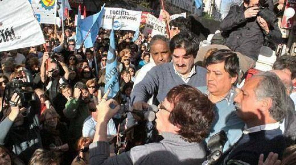 Cuarta marcha en protesta por la modificación al sistema jubilatorio