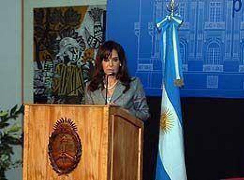 Cristina reclamó a embajadores