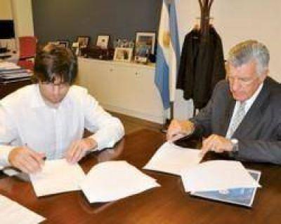 Gioja firmó con la Anses el traspaso de tierras para construir 468 viviendas