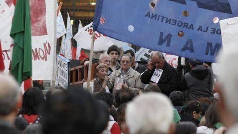 """La bronca de los jubilados se hizo sentir durante la """"Marcha de la Dignidad"""""""