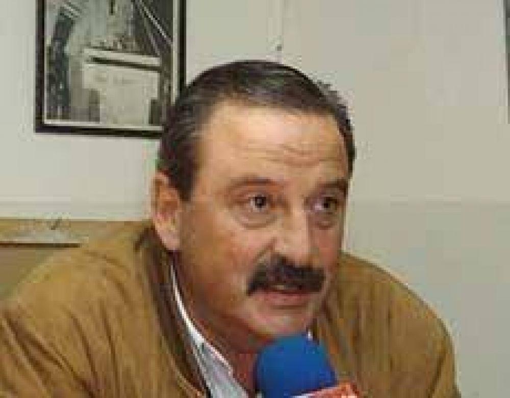 Azcoiti dijo que habrá internas en la provincia entre él y Alfonsín
