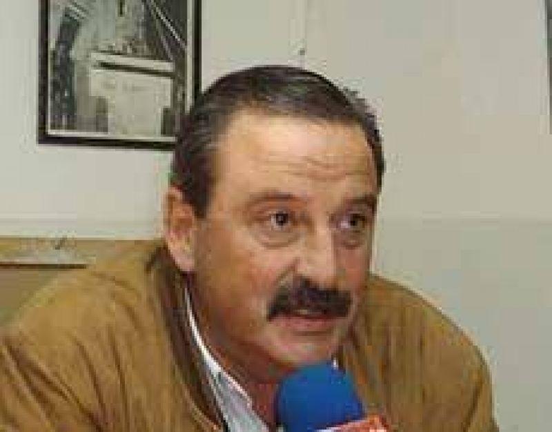 Azcoiti dijo que habr� internas en la provincia entre �l y Alfons�n
