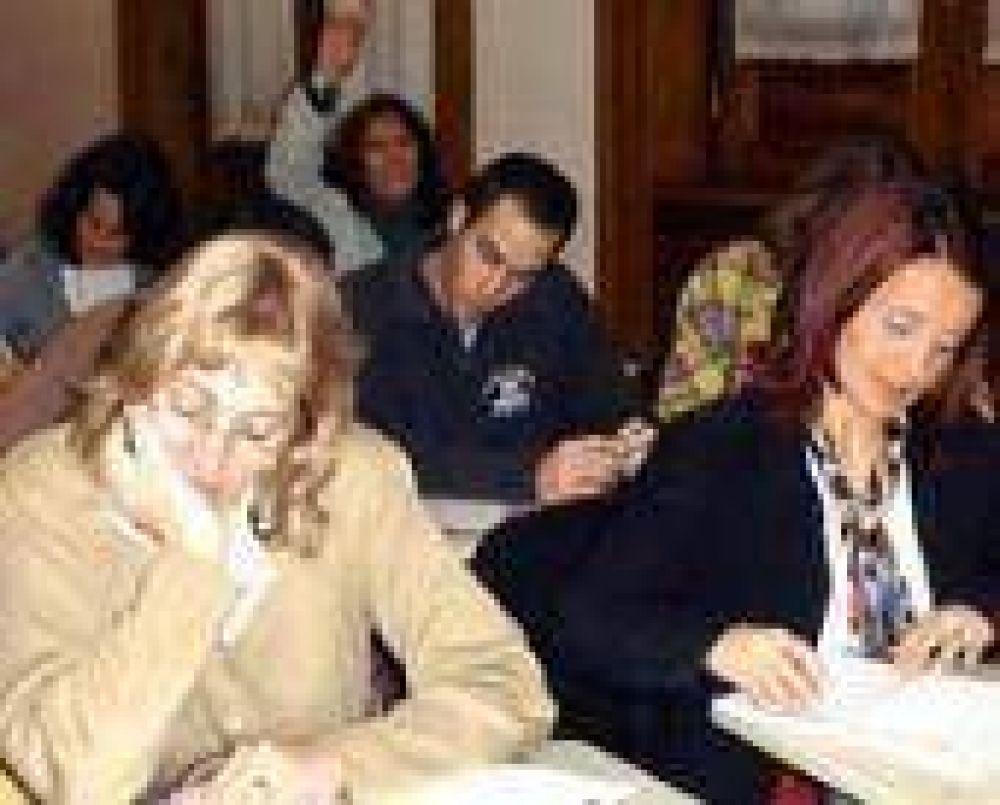 Más de mil docentes se capacitan en forma gratuita en la UNLP