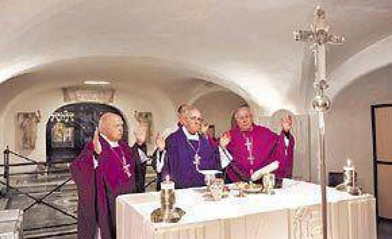 El Papa recibe a Bergoglio y a otros 30 obispos
