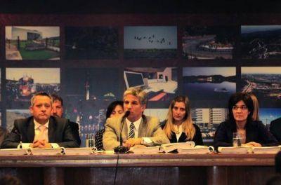 Poggi firmó el proyecto de ley del Presupuesto Provincial 2013