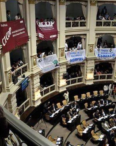 Fuerte reclamo de médicos bonaerenses a la Legislatura