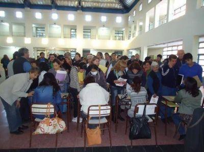 Vecinos de los barrios Viva San Luis e Independencia comenzaron a tramitar sus escrituras