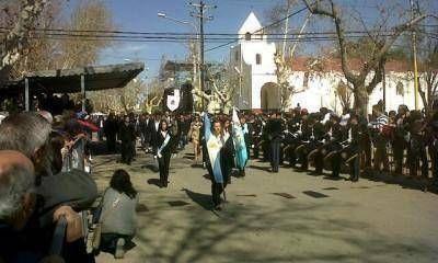 Miles de personas participan de los homenajes a Santa Rosa en su día