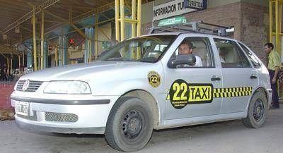 Desde este sábado rige el aumento de la tarifa de los taxis