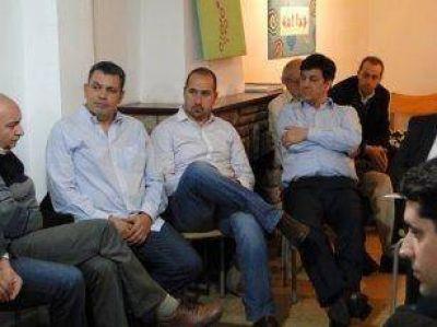 Gustavo Aguilera se reunió con empresarios e industriales de San Fernando