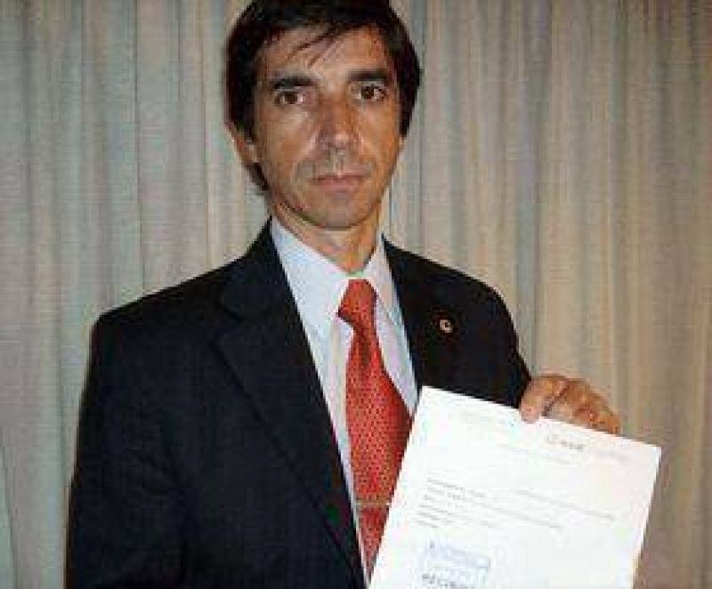Problemas para otro edil oficialista  El Encuentro Pilarense denuncia a concejal zuccarista por discriminación