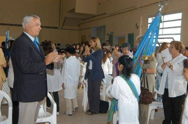 Educaci�n Ivoskus encabez� el acto de apertura del Ciclo Lectivo 2009 en San Mart�n