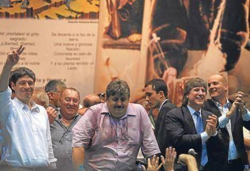 Pignanelli no quiere ir contra Caló y crece la idea del triunvirato