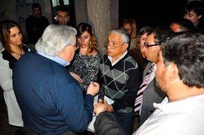 Acusaciones, escándalo y custodia policial en la elección de la federación vecinalista