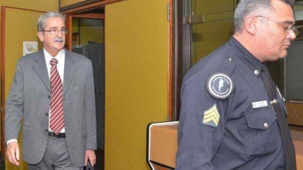 Otero Álvarez fue detenido y alojado en la cárcel de Bouwer