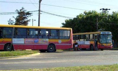 Pdo. de La Costa -El intendente gestiona la llegada de nuevas unidades para el transporte público de pasajeros