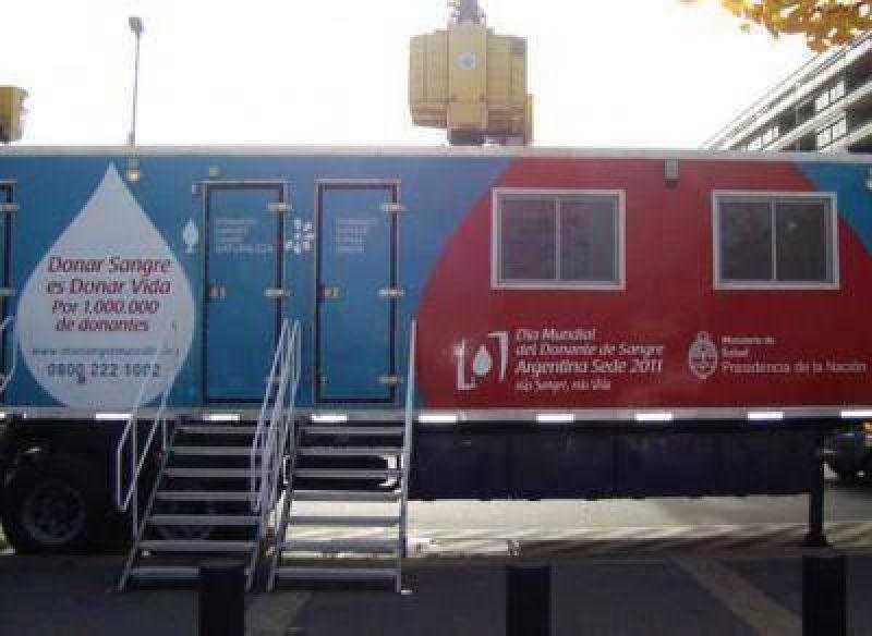 Móvil para la colecta de sangre está en la ciudad