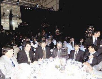 Zamora quiere consolidar la peque�a y mediana industria