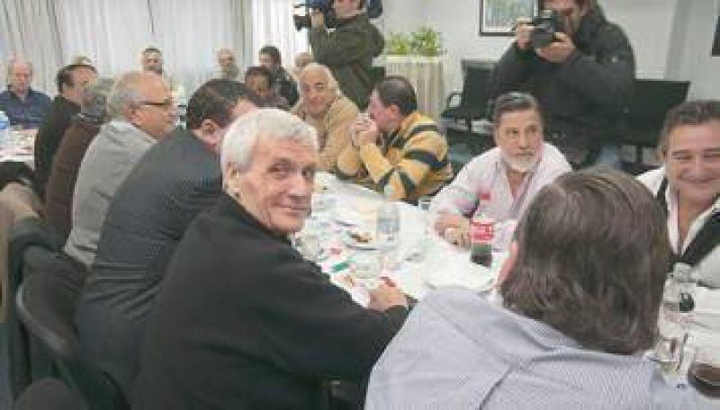 Sin Barrionuevo, antimoyanistas apuestan por una jefatura colegiada para su CGT