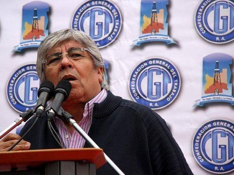 """Moyano marcha al Inadi por """"discriminación"""" en las asignaciones familiares"""