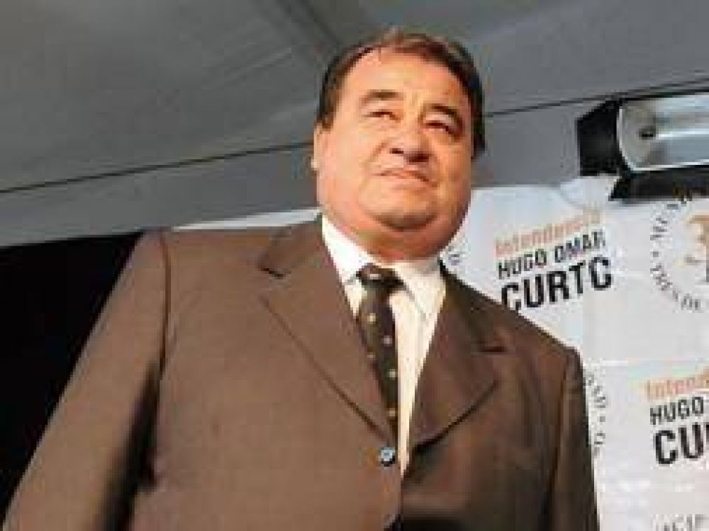 """Hugo Curto: """"Si Macri ve un pobre lo escupe"""""""